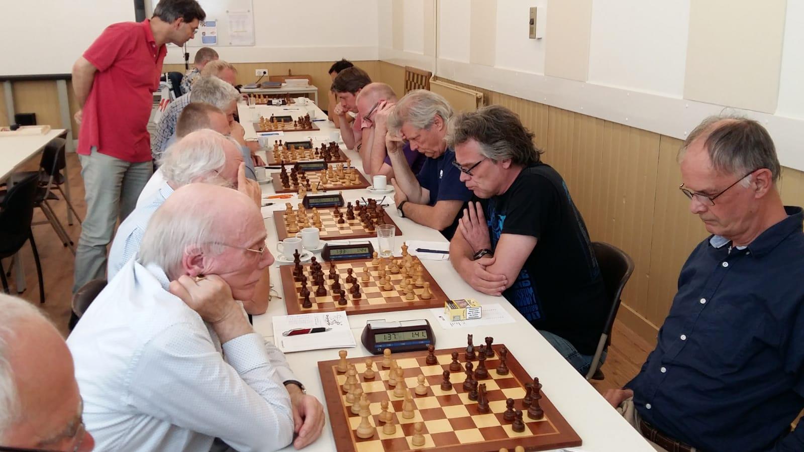Baarn wint schaakderby