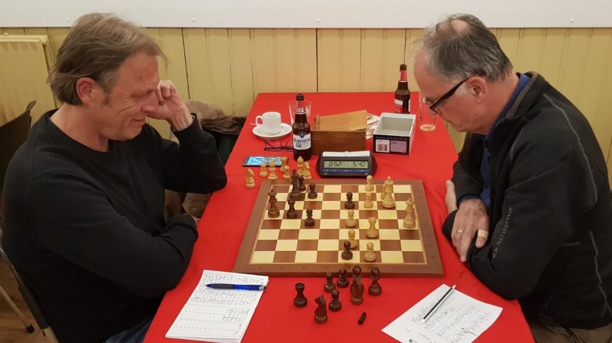 Breukers weer naar tweede plek in schaakcompetitie