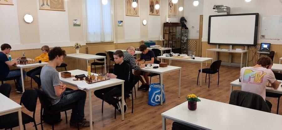 Verjonging bij de schaakvereniging